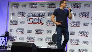 """John Barrowman and Scott Gill sing """"Can't Take My Eyes Off of You"""""""