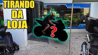 TIRANDO MINHA NOVA MOTO DA CONCESSIONÁRIA !