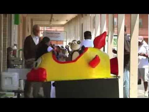 Jackass Presents: Bad Grandpa (Clip 'Broken Ride')
