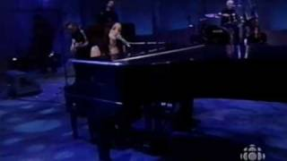 "Chantal Kreviazuk - ""Before You"" Live at the 2000 Junos"