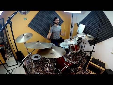 """Alessandro Maggiolino performs """"Just Groove Me"""" (intro) by Oz Noy"""