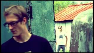 Video Most Wonky - Na břehu
