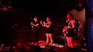 "Hey, Gurl Performs The Donnas' ""Get Rid Of That Girl"""