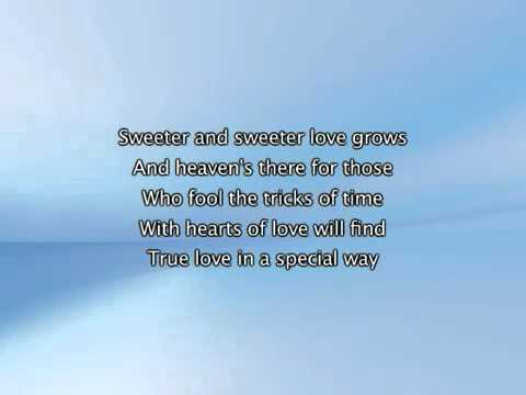 Beyonce   The Closer I Get To You Feat Luther Vandross, Lyrics In Video