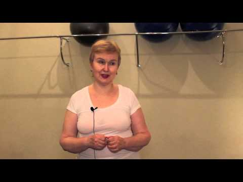 Combustione di grasso su un ballo di stomaco di esercizio