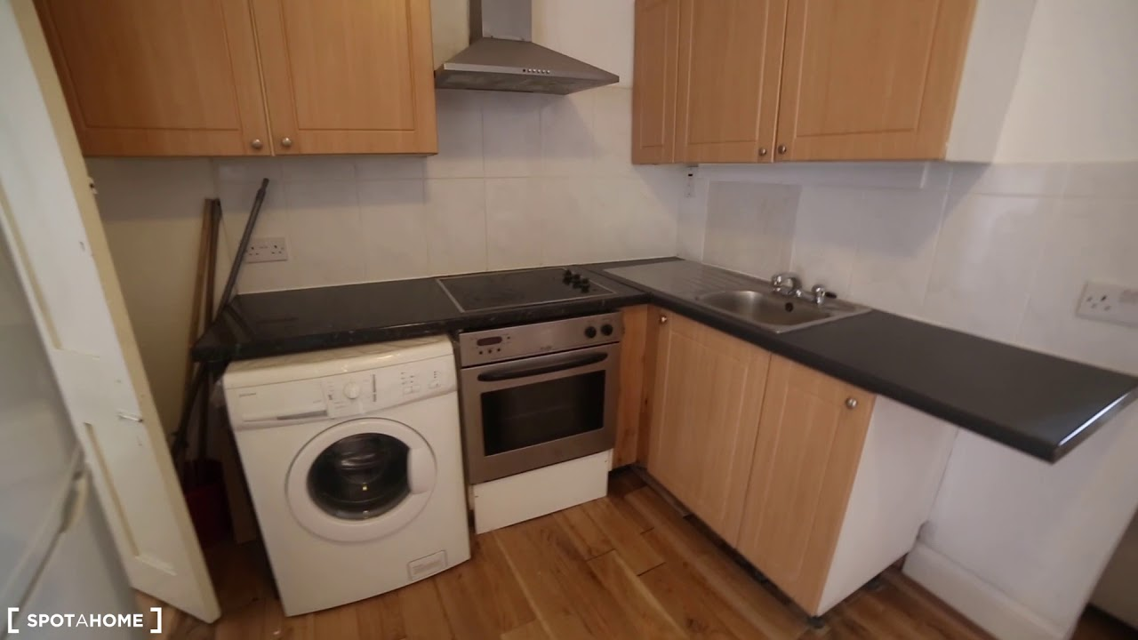 Furnished 1-bedroom apartment for rent in Golders Green, Travelcard Zone 3
