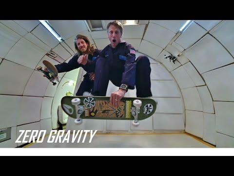 「滑板之神」東尼霍克挑戰無重力狀態玩滑板!
