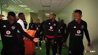 ORLANDO PIRATES SINGING BEFORE THE GAME #RUMBLEINTHETUNNEL