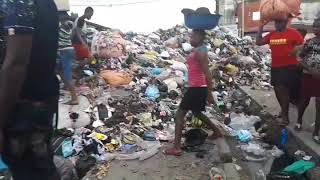 preview picture of video 'Ngwa Road market Aba covered with dirt'