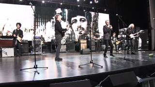 Paul McCartney inducts Ringo Starr to the Rock and Roll Hall of Fame