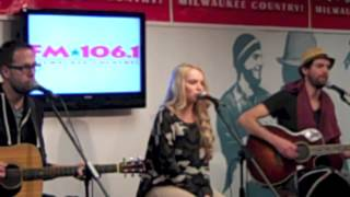 Danielle Bradbery   A Little Bit Stronger Milwaukee WI.