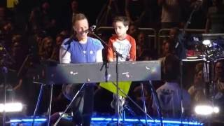 Coldplay - Everglow (with Oscar) - Gila River Arena - Glendale, AZ