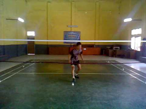 Video Begini cara berlatih penguasaan lapang bulutangkis/badminton yang efektif