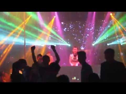 Dj Trang Moon Mix Nhạc tại New Phương Đông [Full HD]