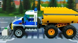 Lego Wrong Police cars and trucks , Brick Building video for Kids . Assembly toys for children