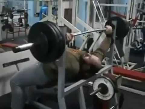 Który daje napięcie mięśniowe