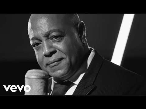 Peabo Bryson - Love Like Yours And Mine (Official Video)