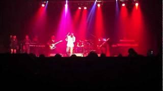 "Anthony David live at Center Stage - ""Body Language"""