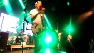 All Time Low - Outlines (Live in Melbourne 2.09.2013)