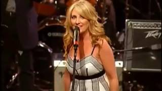 Lee Ann Womack - The King of Broken Hearts [ Live | 2007 ]