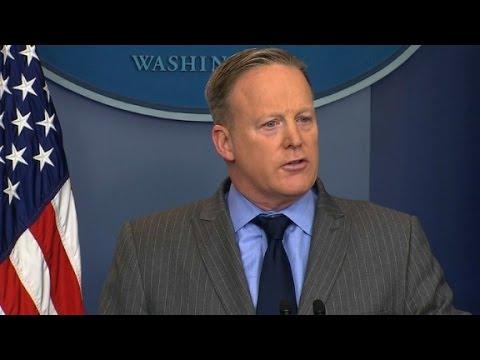 Spicer rips media's Trump coverage (Full remarks)