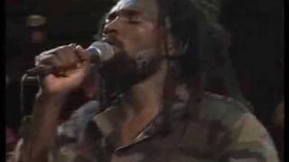 Lucky Dube - It is Not Easy - Live!