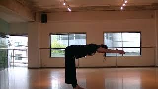 香音先生のダンスレッスン〜ダンスを踊る体を作るストレッチ〜