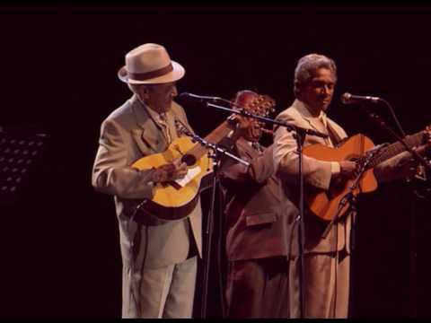 Compay Segundo - Chan Chan (Live Olympia París 1998)