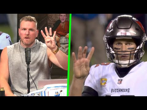 Pat McAfee Reacts To Tom Brady's 4th Down Confusion, Buccaneers Bears Game