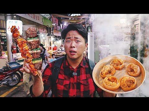 Уличная еда на корейском рынке Пельмени с кимчи Шашлык. Рынок Тонгин