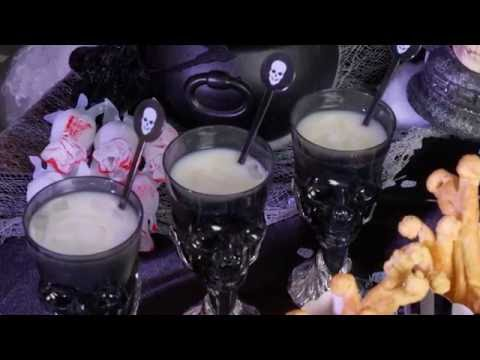 Halloween skelet cocktail: Pina Colada