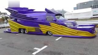 Смотреть онлайн Самые смешные автоприколы на дорогах