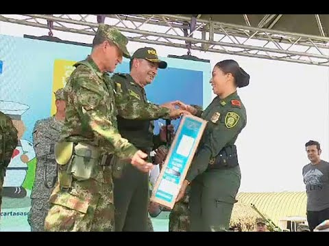 Les llego la navidad: cerca de mil uniformados recibieron regalos en el Catatumbo