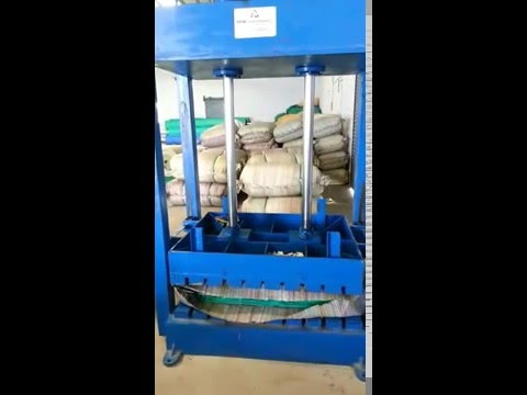 Green Net Bale Press
