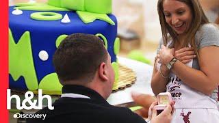 ¡Hombre le propone matrimonio a su novia en Carlo's Bakery! | Cake Boss | Discovery H&H