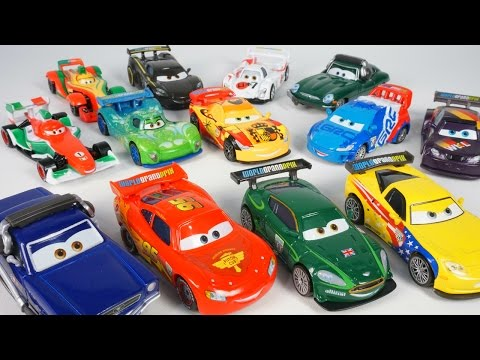 COMPLETE SET DISNEY PIXAR CARS WORLD GRAND PRIX RACERS 2016 LIGHTNING MCQUEEN RIP FRANCESCO