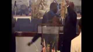 D'Marcus Boone singing Vashawn Mitchell(Psalm 150)Night of Worship Concert