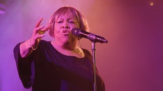 "Mavis Staples - ""No Time For Cryin'"" (Live)"