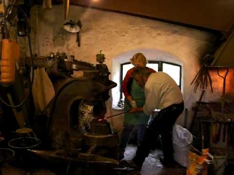 Schmiedekurs Rankstäbe bei www.alte-hammerschmiede.de