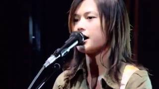 YUI - Rolling Star (Live)