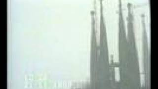 preview picture of video 'Nieva sobre LA SAGRADA FAMILIA BARCELONA'