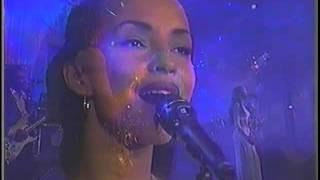 """Sade   """"Bullet Proof Soul""""  Live"""