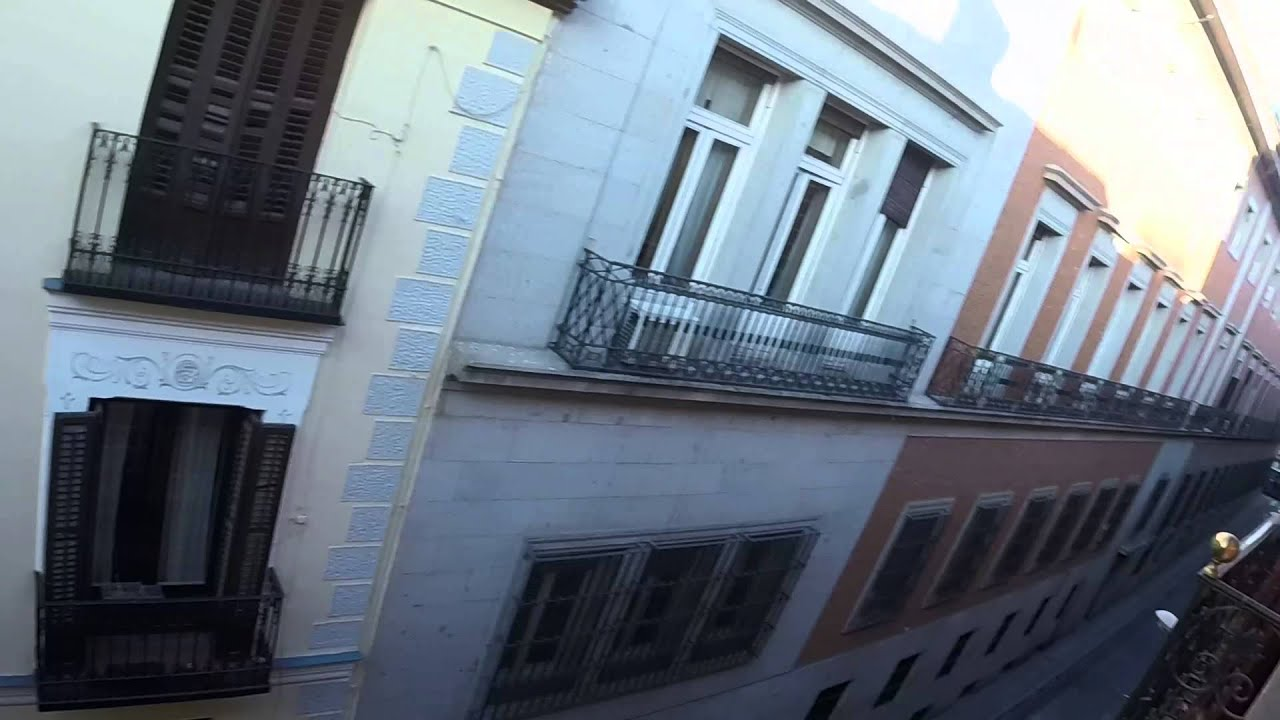 3-bedroom apartment with balconies in Malasaña