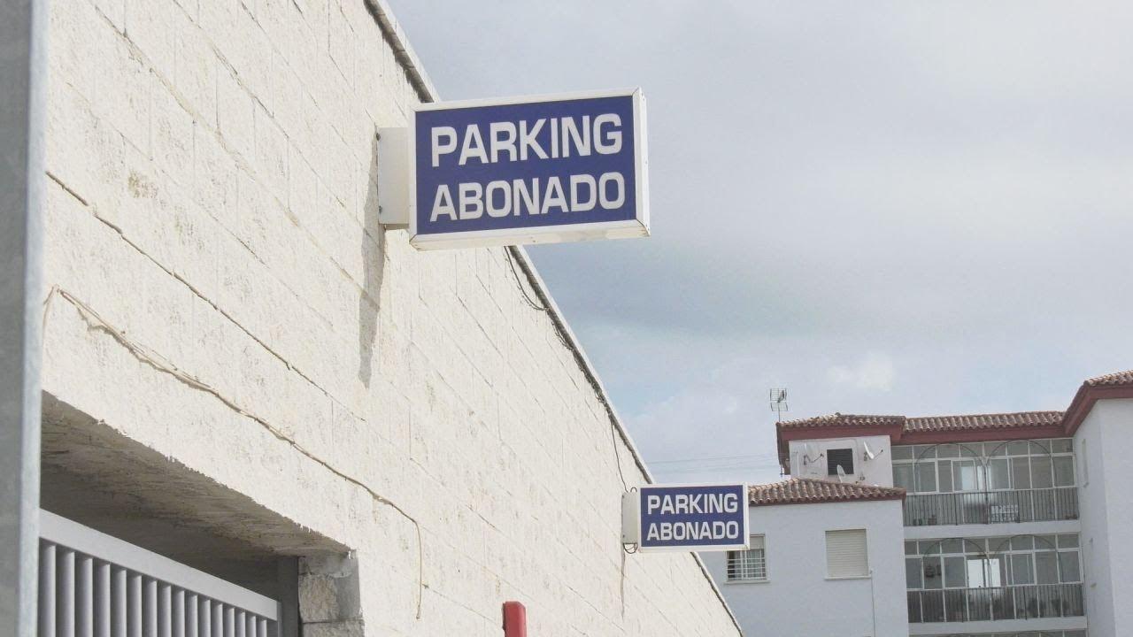 CONTINÚAN LOS TRABAJOS EN EL PARKING DE MANILVA