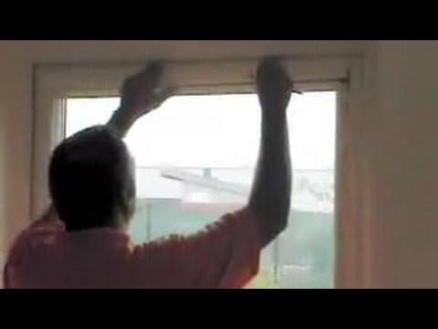Sonnenschutzrollo Innen anbringen. Sichtschutz und Sonnenschutz für Fenster.