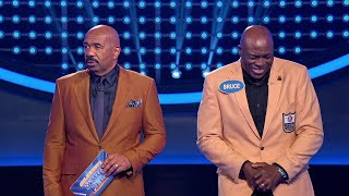 Bruce Smith Shocks Steve Harvey During \'Fast Money\' - Celebrity Family Feud