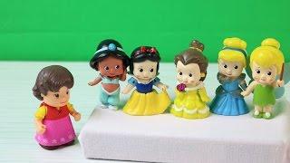 Heidie Şarkı Söylüyor Beş Küçük Prenses Zıplamış Yatakta Çocuk Şarkısı Çizgi Film