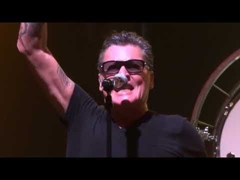 Johnny Make Believe, Golden Earring, Strijen