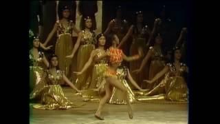 Aida Act 2 Scene 2 part 1 Grand March