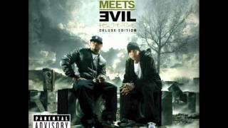 Eminem - Above The Law ft. Royce Da 5'9